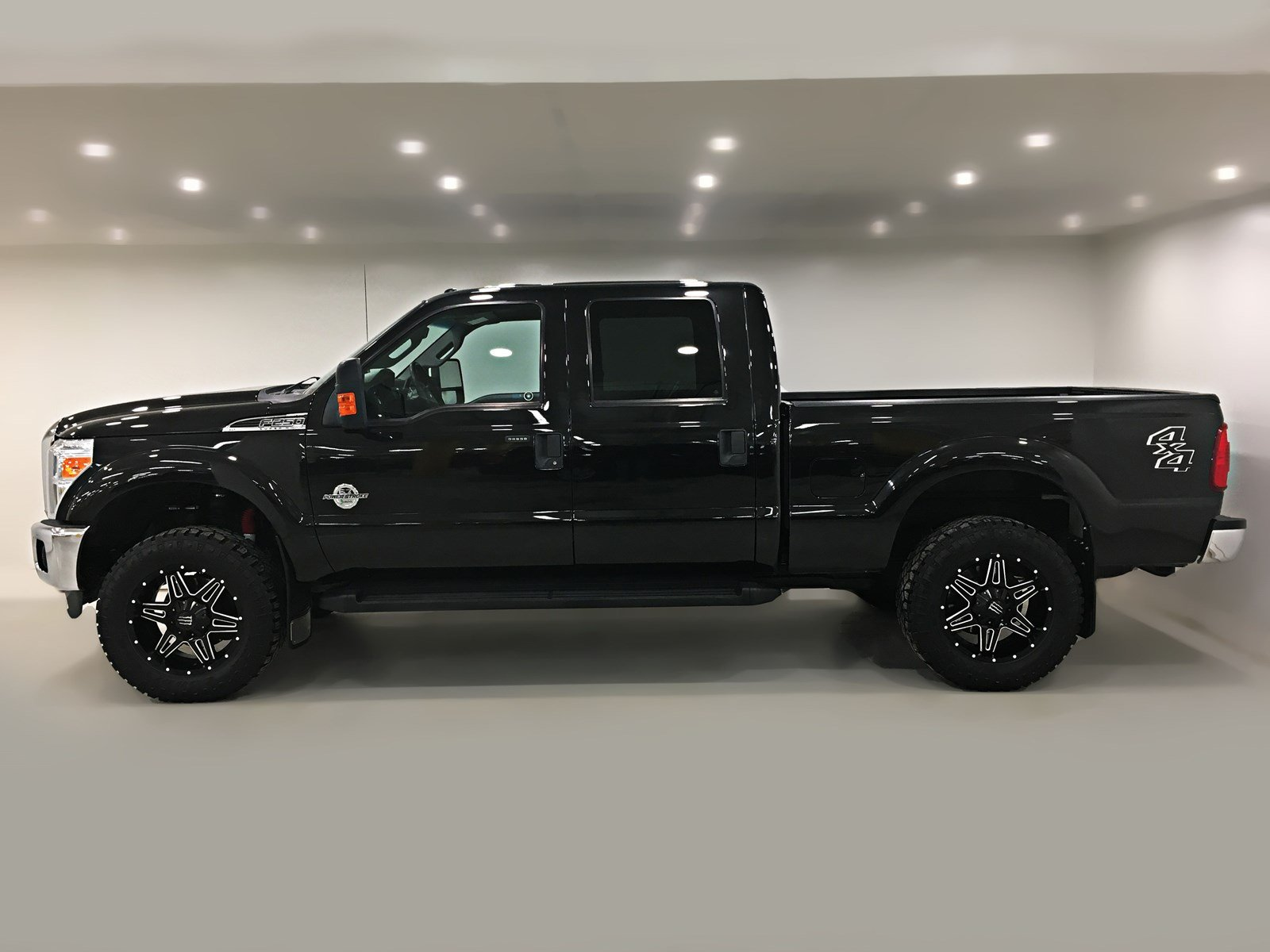 Certified Pre Owned 2015 Ford Super Duty F 250 Srw Xlt Crew Cab F250