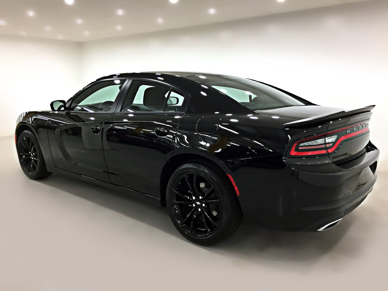pre owned 2017 dodge charger se blacktop practically new. Black Bedroom Furniture Sets. Home Design Ideas