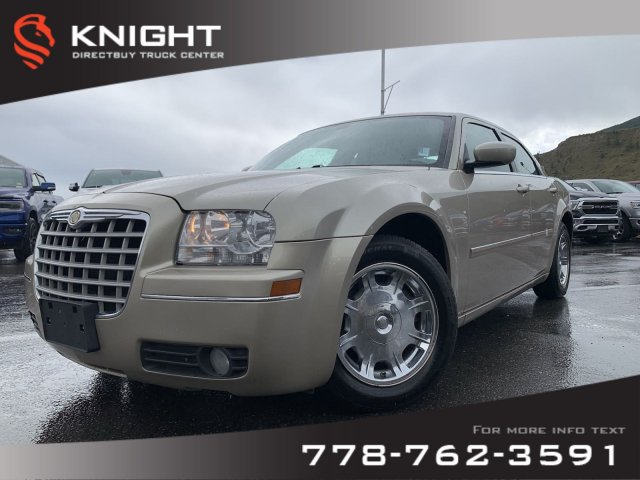 Pre-Owned 2006 Chrysler 300 BASE