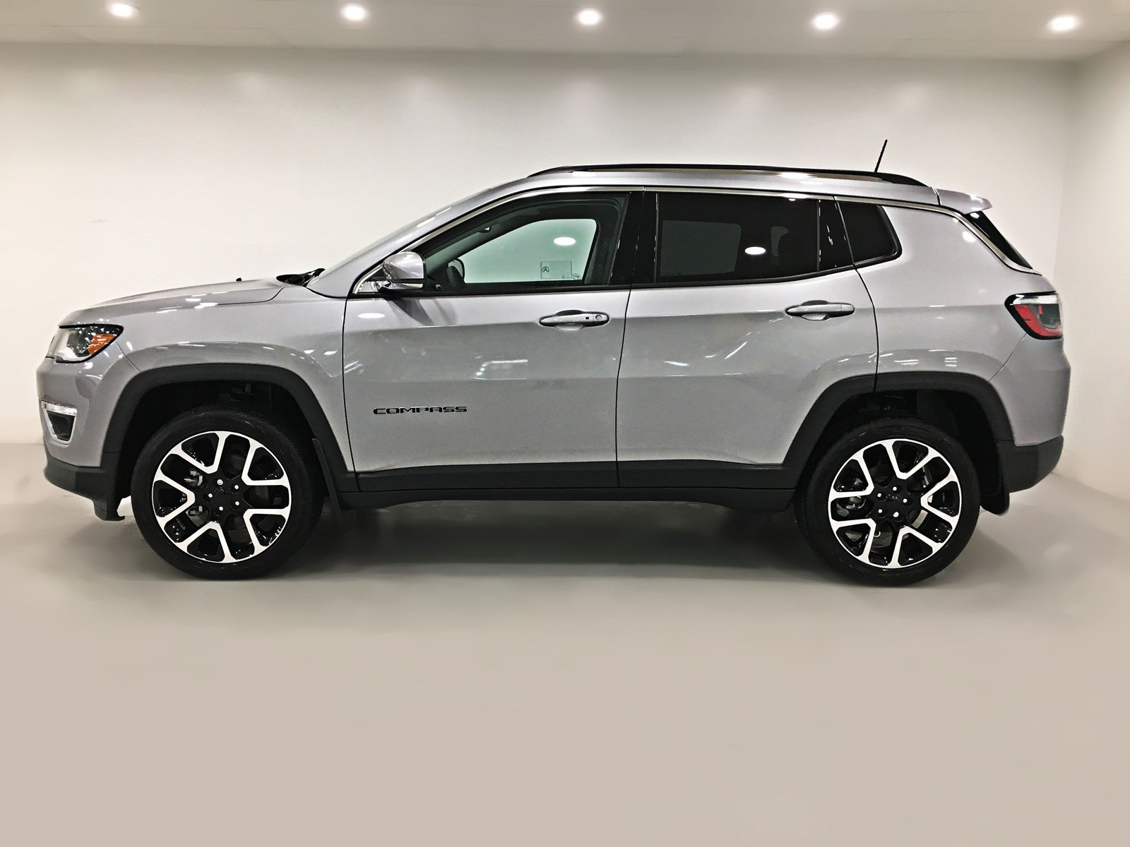 New 2018 Jeep Compass Limited 4x4 Sunroof Navigation Sport Utility In Regina 18c08 Knight