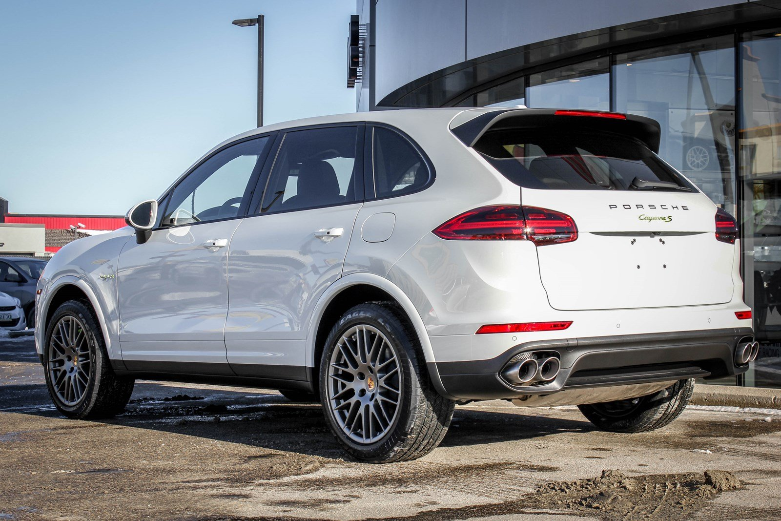 new 2018 porsche cayenne s e hybrid platinum edition sport utility in winnipeg 218342 knight. Black Bedroom Furniture Sets. Home Design Ideas